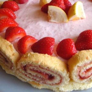 biscuit roulé au citron vert et à la fraise