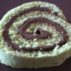 gâteau roulé aux pistaches et nutella