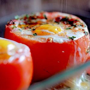 oeufs cocotte de tomates au thon et paprika