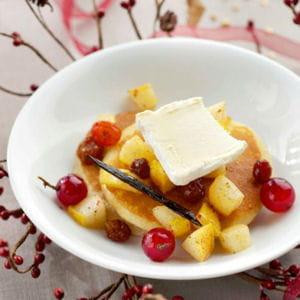 pancakes poires, vanille, raisins et boursault