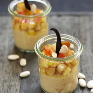 verrines de crème de haricots tarbais, poires et pommes sautés