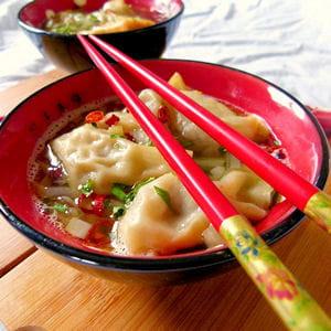soupe de ravioli wonton au canard et gingembre