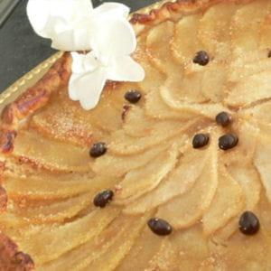 tarte fine aux poires, grains de café chocolatés
