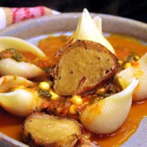 filet mignon relevé au poivron, bettes et maïs