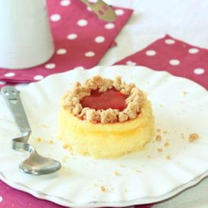 cheesecake crumble et coulis de fraises