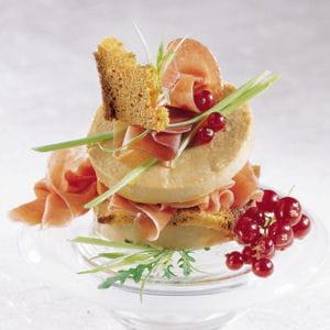 millefeuille au foie gras et jambon cru