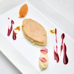 tartine de foie gras, mousse de céleri, coulis de betterave