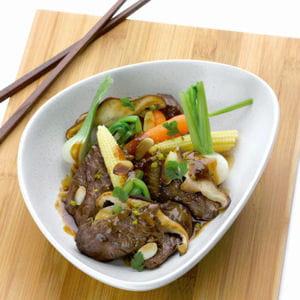 wok d'onglet de veau flambé au calvados, pleurotes, mini légumes, coriandre