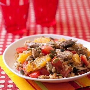 salade d'orge aux oranges, tomates, maquereaux et gingembre