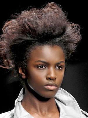 1924357-coupes-afro-idees-de-coiffures-pour-les-cheveux-crepus-et-frises.jpg (300×400)