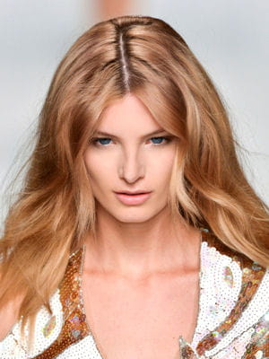 coupe cheveux long raie au milieu