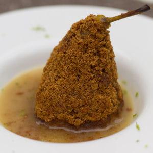 poires pochées au vin blanc panées au pain d'épice