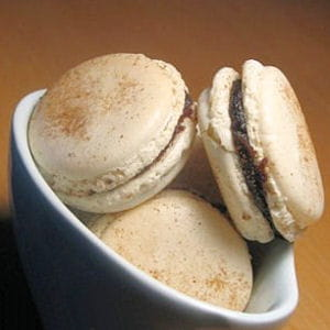 macarons aux dattes, miel et cannelle