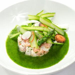 ceviche de sébaste et saumon - tagliatelles d'asperges