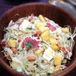 salade de chou, ananas et jambon serrano