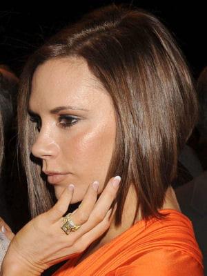 Victoria Beckham : le carré plongeant : Victoria Beckham en 10 coiffures - Journal des Femmes