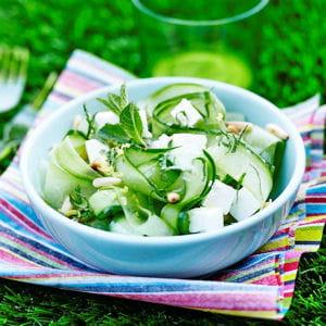 tagliatelles de concombre à la menthe et à la féta