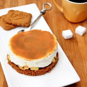 cheesecake sans cuisson aux spéculoos, pommes et confiture de lait