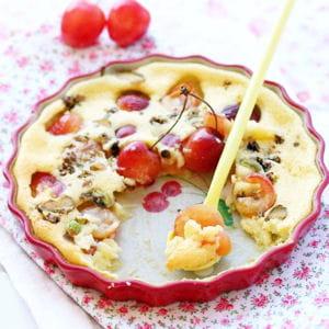 clafoutis aux cerises blanches, mascarpone et pistaches torréfiées