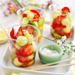 salade de fraises et billes de concombre au sel de guérande
