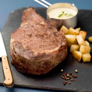 côte de boeuf cuite à basse température, fondant de pommes de terre et sauce