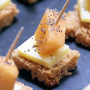 bouchées melon-comté sur pain d'épices