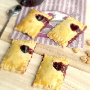 mini pop tarts à la confiture de cassis