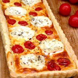 tarte au fromage de chèvre et tomates cerise