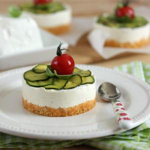 cheesecake au chèvre frais, pesto rosso