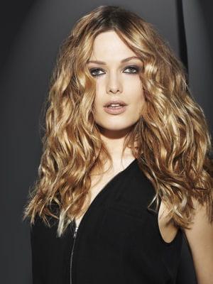 Cheveux longs wavy 5 coupes 15 styles journal des femmes for Coupe de cheveux wavy