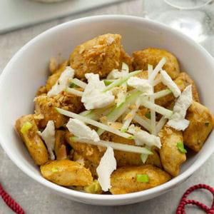 poulet curry et boursault, crumble amande pomme