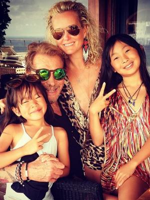 johnny hallyday, sa femme laeticia et leurs filles
