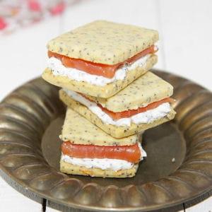 sandwich à la crème de pavot et au saumon fumé