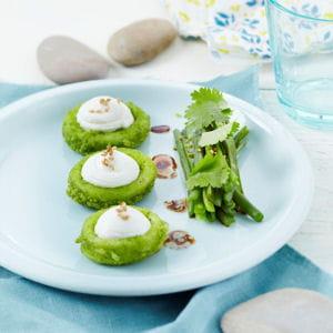 calamars en croûte d'herbes, salade de haricots verts