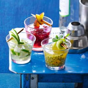 caïpirinha (cocktail cachaça ou vodka, citron vert)