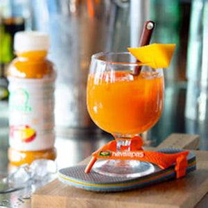 vitamine à la playa - cocktail brésilien sans alcool coco, açaï, ananas