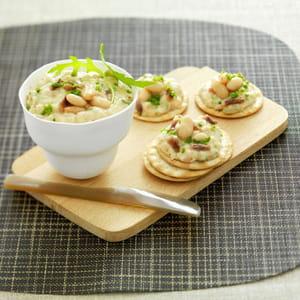 tartinade de haricots blancs et anchois aux herbes fraîches