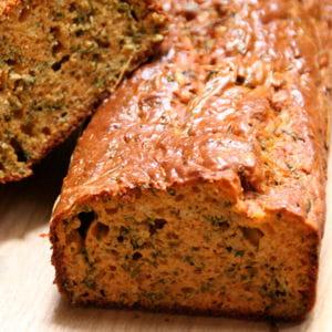 cake pesto rosso et herbes fraîches