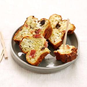 petits cakes au fromage fouetté ail et fines herbes et jambon cru