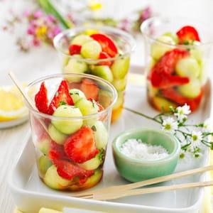 salade de fraises et billes de concombre