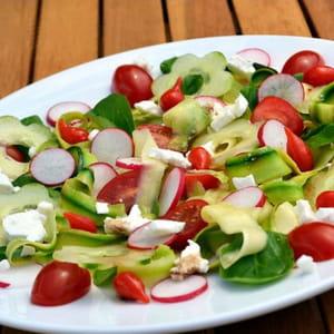 salade fraîcheur à la feta et mini poivrons du pérou