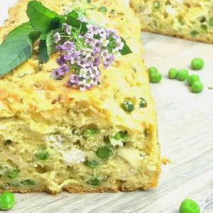 cake aux petits pois, chèvre et menthe fraîche