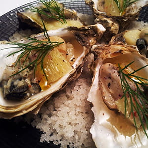 huîtres en gelée de muscadet, fenouil, citron vert, aneth
