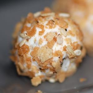 truffes au fromage frais en robe croustillante