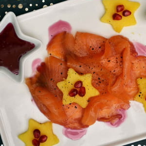 saumon fumé, mangue et sirop de grenade