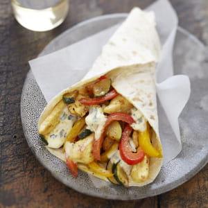 wrap poulet curry au bresse bleu et légumes grillés