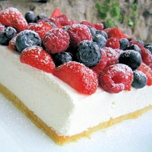 bavarois au fromage blanc et aux fruits rouges