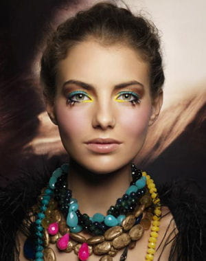 Ethnique chic. Les looks maquillage automne,hiver. collection primitribe de shu uemura