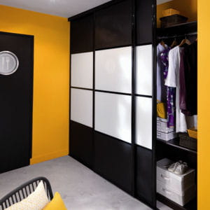 10 dressings pour habiller votre chambre journal des femmes. Black Bedroom Furniture Sets. Home Design Ideas