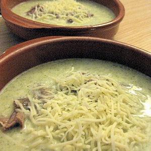soupe de brocoli gratinée au canard confit